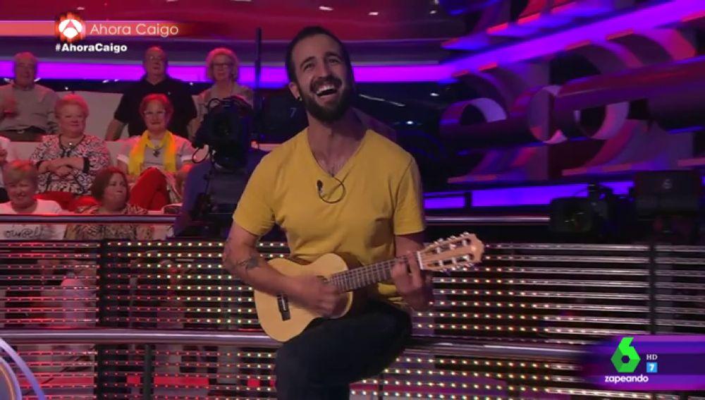 """""""Debería estar cansado de tus chistes"""": la sorprendente canción que ruboriza a Arturo Valls"""