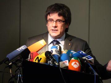 Carles Puigdemont en una rueda de prensa