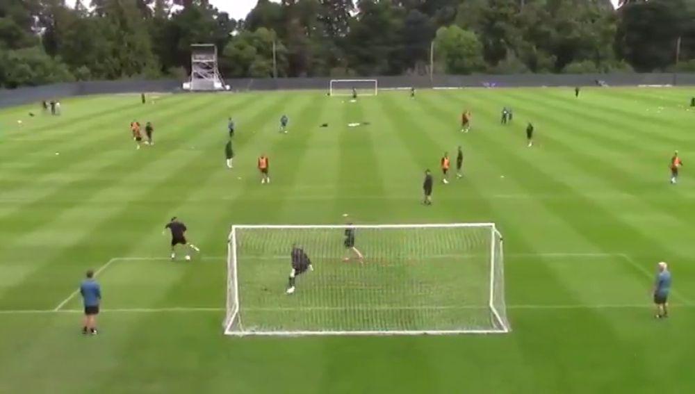 Lo nunca visto en el fútbol: ¡El golazo de doble tacón de Ayoze Pérez!