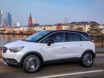 El Opel Crossland X estrena motores y niveles de terminación