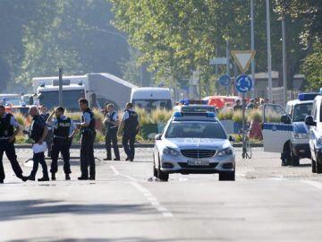 Policía en la ciudad de Lubeck, Alemania