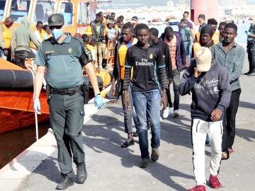 Migrantes rescatados en aguas del Estrecho