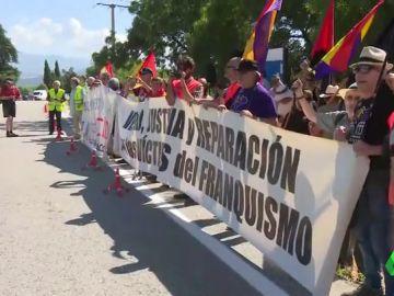 Manifestación antifascista frente al Valle de los Caídos