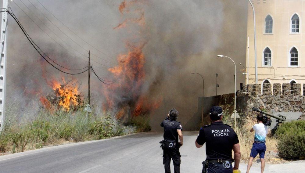 Incendio declarado esta tarde en la zona de García Aldave, en Ceuta