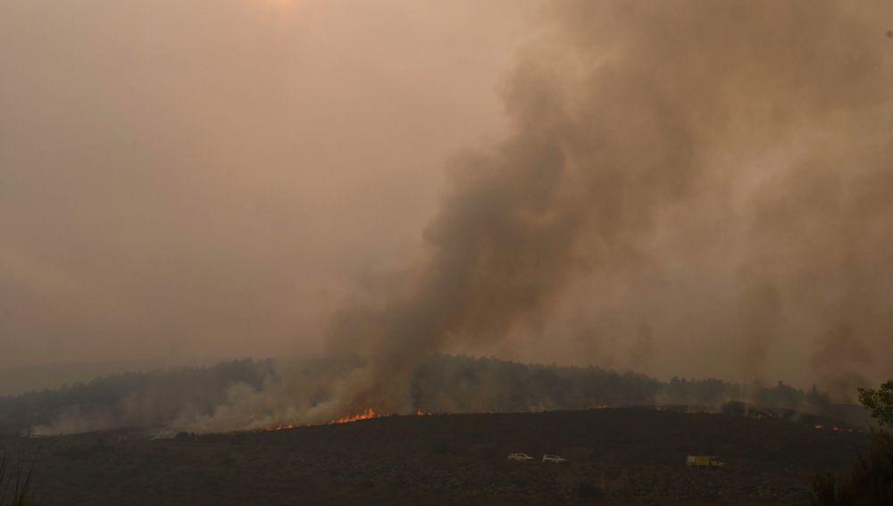 Fotografía que muestra el paisaje afectado por un incendio forestal