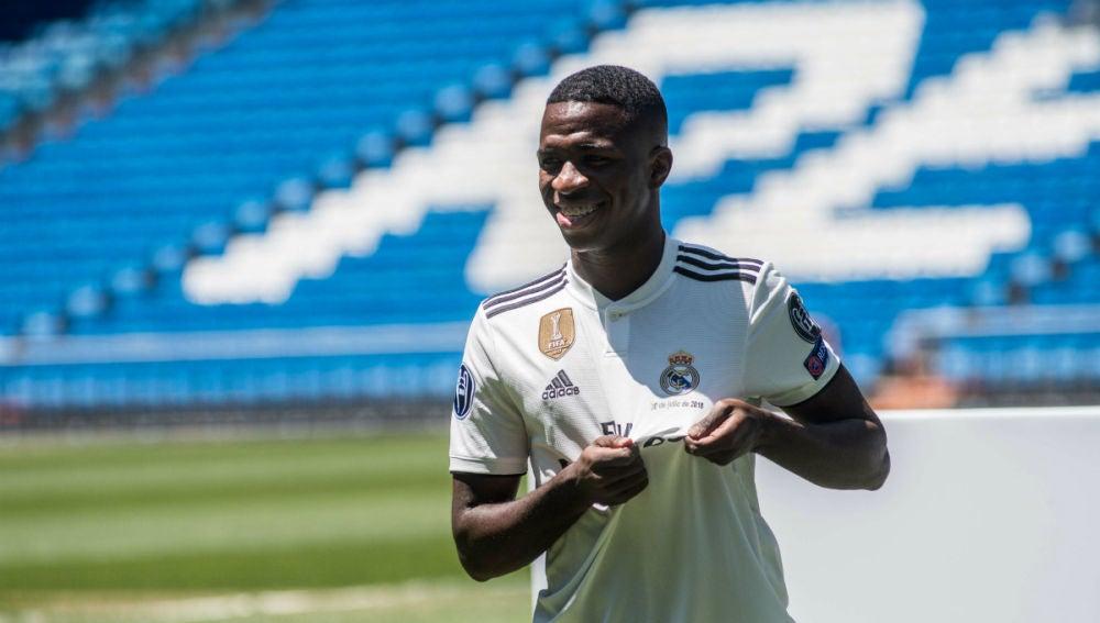 Vinicius, con la camiseta del Real Madrid