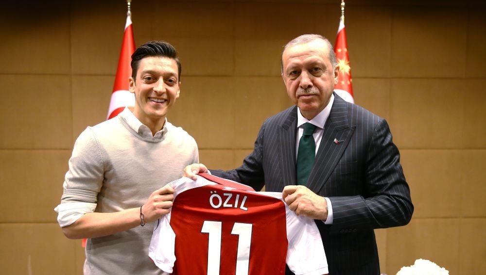 Mesut Özil y el presidente turco Erdogan