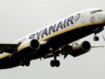 En la imagen un avión de la compañía irlandesa Ryanair