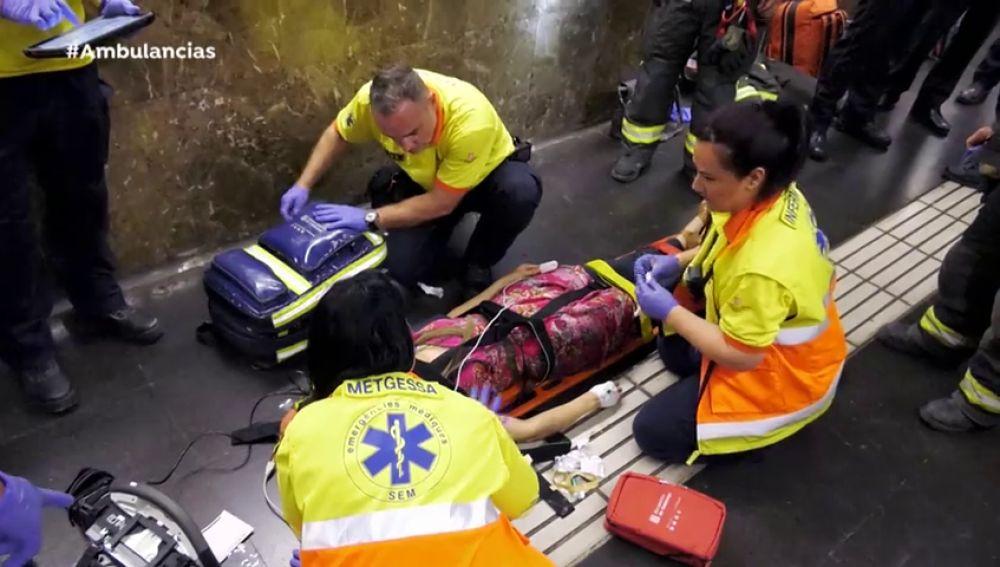 Joven metro Ambulancias