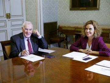La ministra de Política Territorial, Meritxell Batet, y el conseller catalán de Acción Exterior, Ernest Maragall