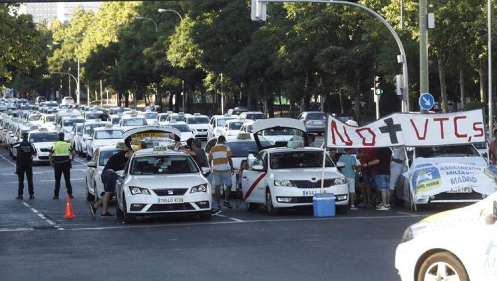Las protestas de los taxistas españoles contra la proliferación de licencias VTC