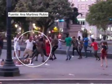 Agresión a turista por manteros en Barcelona