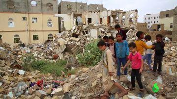 Ciudades devastadas, pueblos fantasmas y miles de muertos: las duras consecuencias de los ataques de la coalición saudí en Yemen