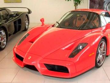 ¿Fan de Michael Schumacher? Si te sobran unos euros, puedes comprar su Ferrari Enzo