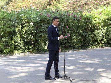 El presidente del Gobierno, Pedro Sánchez, durante su comparecencia ante los medios en el Palacio de Marivent