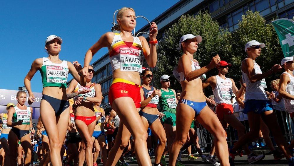 Julia Takacs, durante la prueba de 50 kilómetros marcha