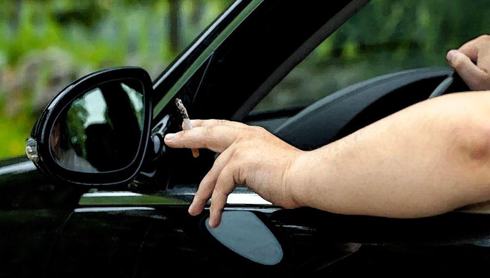 Fumar al volante