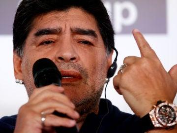 Maradona en rueda de prensa