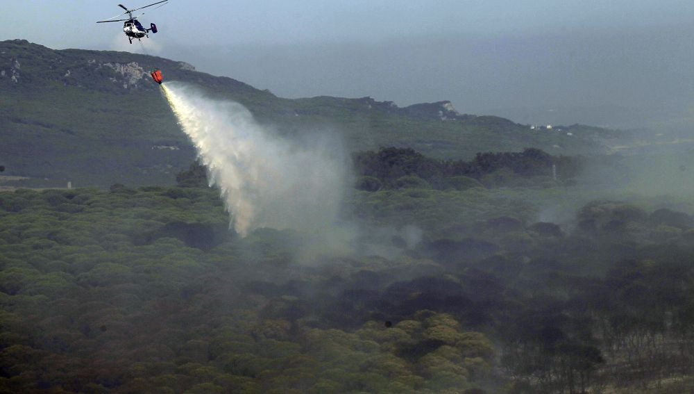 Imagen del incendio en Tarifa