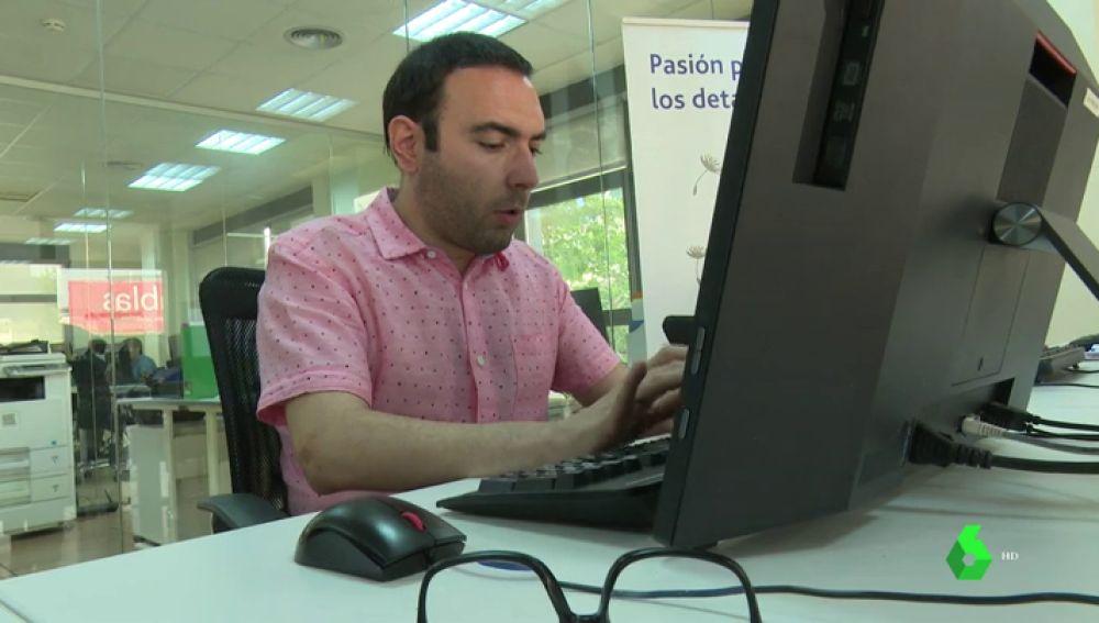 """""""Pueden desempeñar tareas incluso mucho mejor que tú"""": ayudan a conseguir trabajo a personas que padecen autismo"""