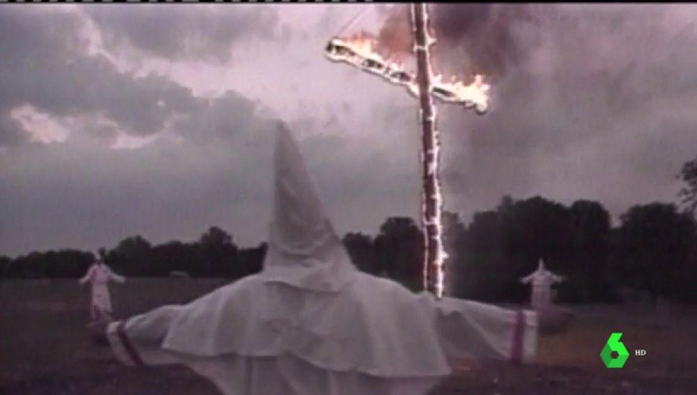 La película que Trump está obligado a ver: llega al cine la historia de un negro y un judío que se infiltraron en el Ku Klux Klan en los 70