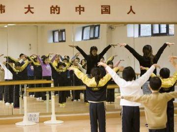 China está buscando métodos para animar a los matrimonios a tener dos o más hijos