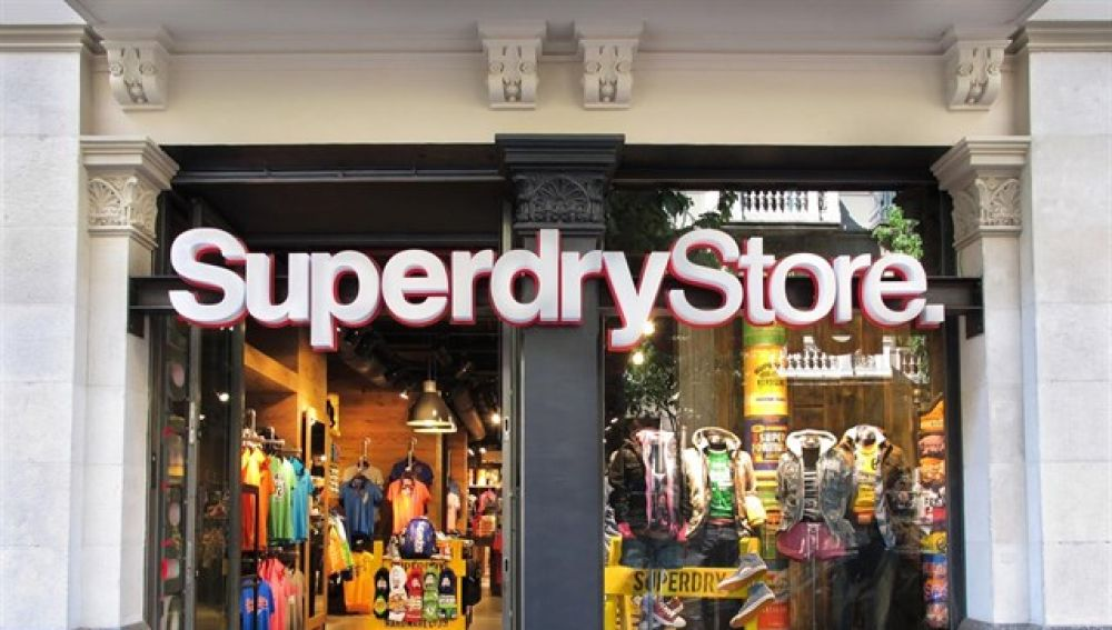 Una tienda de la marca Superdry