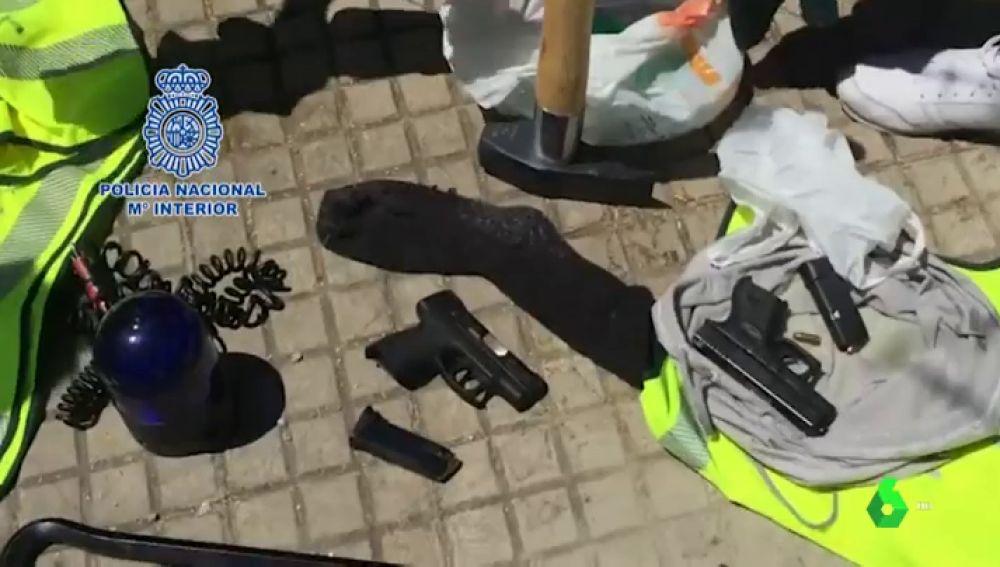 La Policía Nacional desarticula en Estepona a un grupo especializado en robos con armas