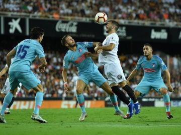 Momento del Valencia - Atlético disputado en Mestalla