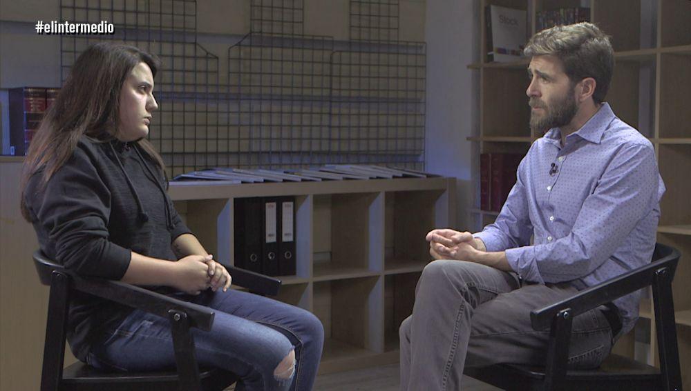 Gonzo entrevista a Andrea Sayago, víctima de acoso escolar