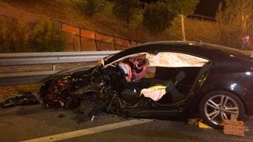 Imagen del vehículo del conductor kamikaze tras colisionar con varios vehículos