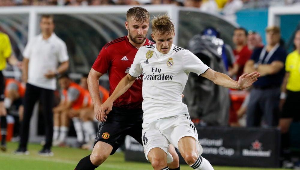 Martin Odegaard en un partido con el Real Madrid
