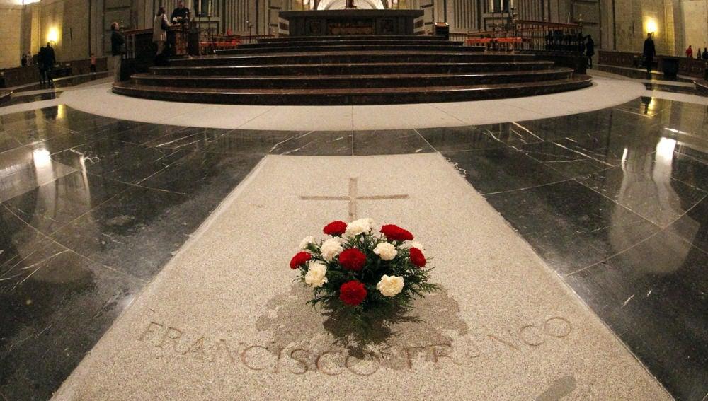 laSexta Noticias 14:00 (21-08-18) El Gobierno modificará la Ley de Memoria Histórica para exhumar a Franco evitando posibles demandas
