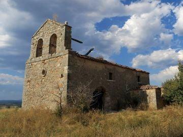 Investigan el robo de un pórtico del siglo XI de una ermita de España