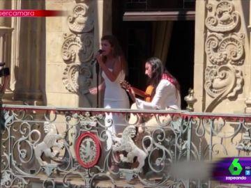 Amaia canta en Pamplona