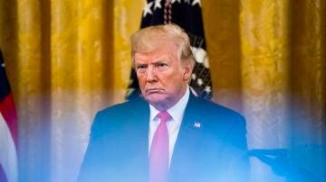 """Trump afirma que si se le abre un juicio político """"los mercados se hundirían"""""""