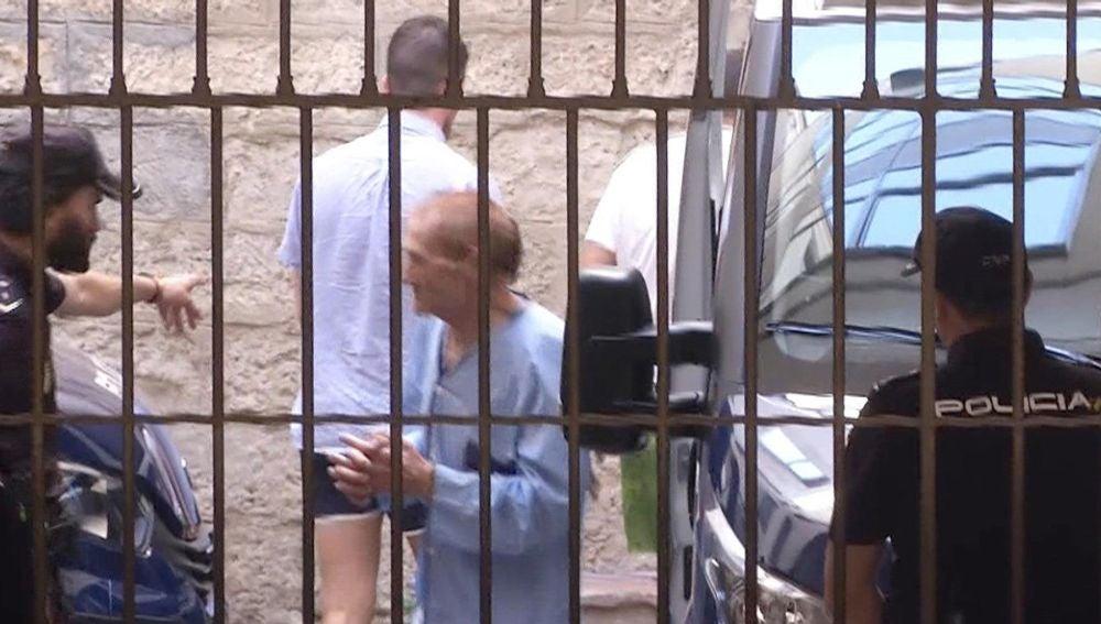 Imagen de televisión del cómplice de la española recién casada de 45 años detenida