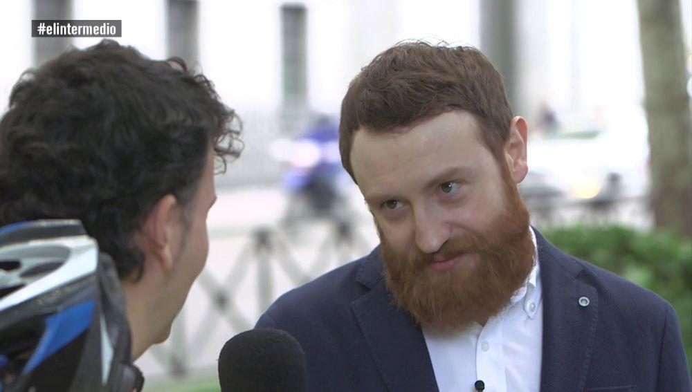 Manuel Burque entrevistó a un ciclonudista