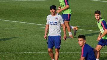 Simeone, durante el entrenamiento del Atlético de Madrid