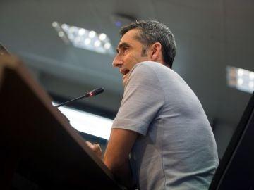 Ernesto Valverde responde a las preguntas de los medios de comunicación