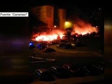 Hasta 26 coches arden de madrugada en Gran Canaria