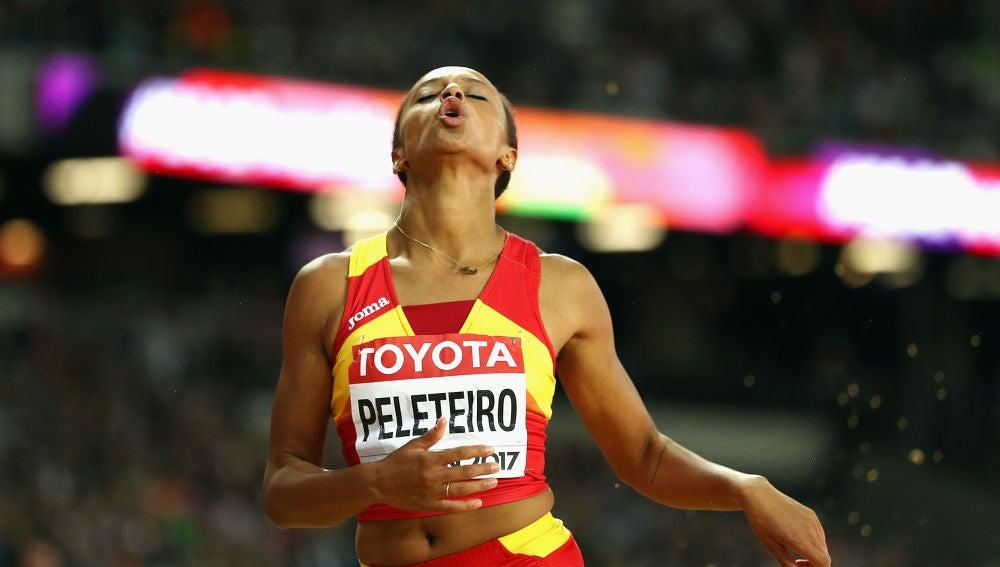 Ana Peleteiro durante una competición