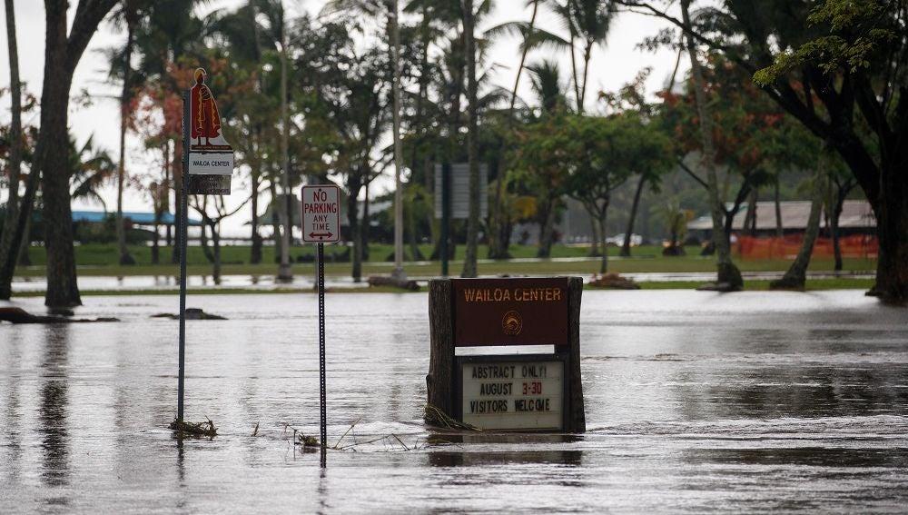 'Lane' se degrada a tormenta tropical aunque sigue dejando fuertes lluvias