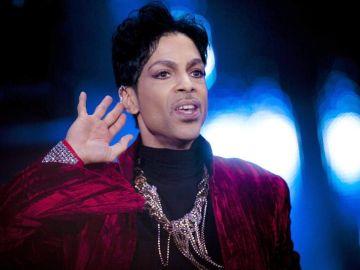 Fotografía tomada en agosto de 2011 en la que aparece el músico estadounidense Prince