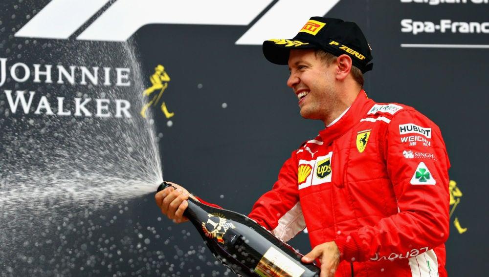 Vettel celebra la victoria en Spa