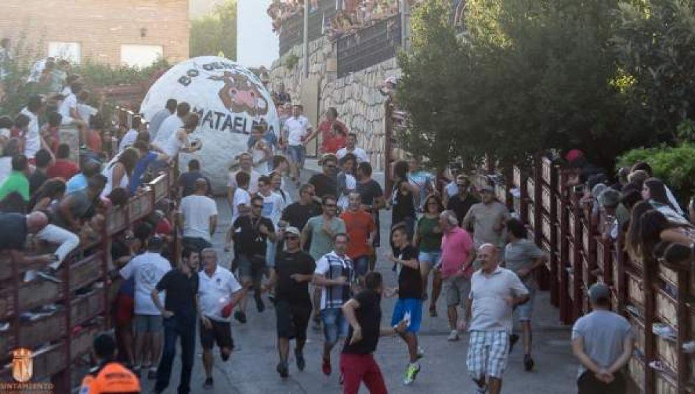 Imagen de archivo de un 'boloencierro' en Mataelpino, Madrid