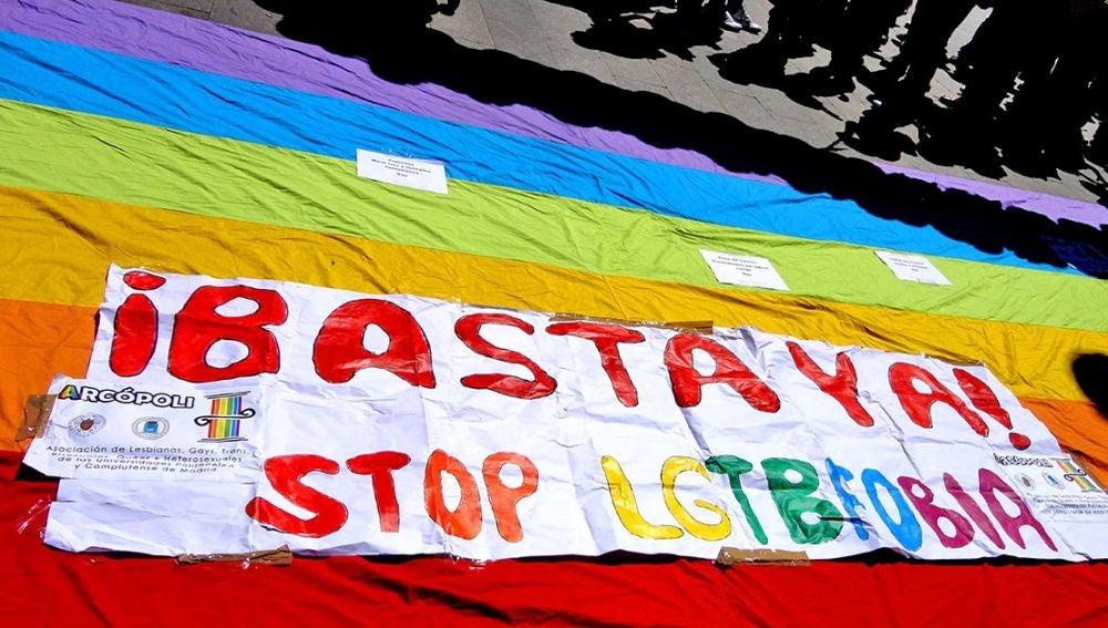 Cartel contra la LGTBFobia.