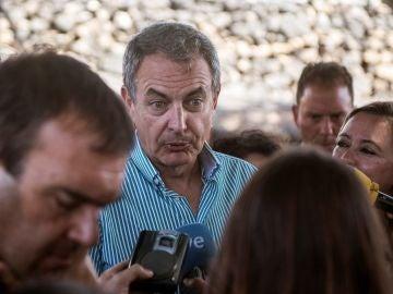 José Luis Rodríguez Zapatero ante los medios