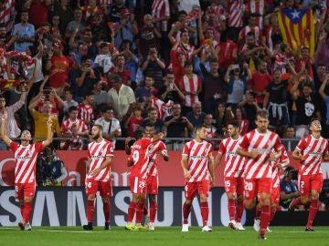 Los jugadores del Girona celebran un gol