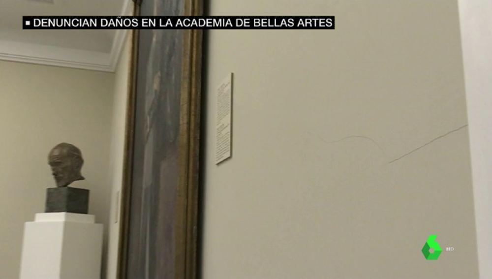 Grietas en la Real Academia de Bellas Artes de Madrid